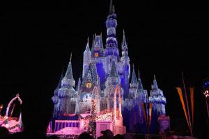disney world cinderella castle open on christmas